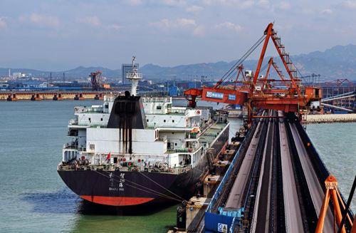 今年我省青岛港、烟台港、日照港煤炭集港全部改为铁路或水路运输