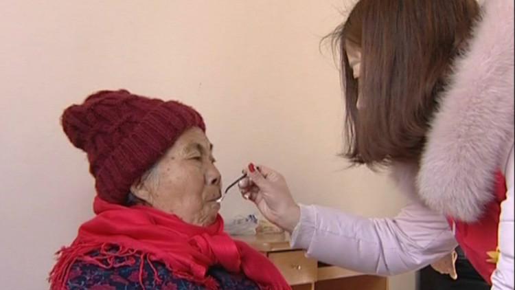 74秒丨新年第一善!滕州义工志愿者走进敬老院为老人带来温暖
