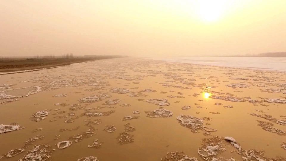 又见落日余晖映照黄河淌凌 这场景怎一个壮美了得!