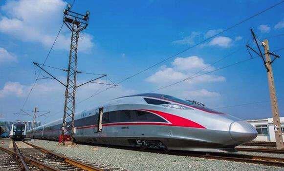 """全国铁路启用新列车运行图 超长版""""复兴号""""即将投入运营"""
