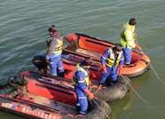 男子溺亡 滨州一民间救援队协助打捞上岸