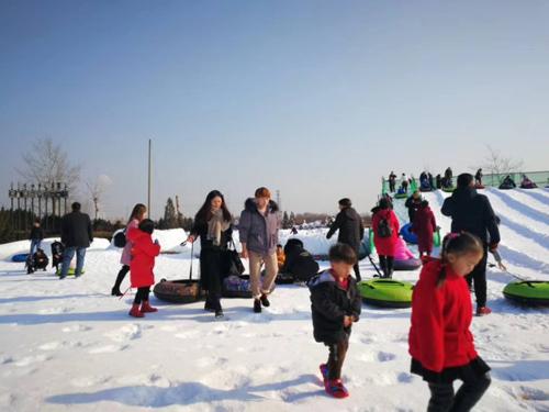 惠民首届冰雪旅游节开幕 冰天雪地嗨到正月二十