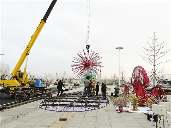 废旧材料重复利用 荣成城区春节亮化工程全面启动
