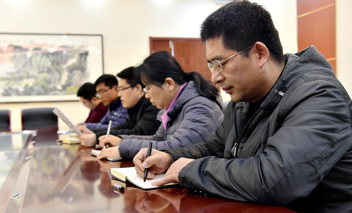 蹲点日记丨村里来了服务队 山东省首个镇级乡村振兴规划在这诞生