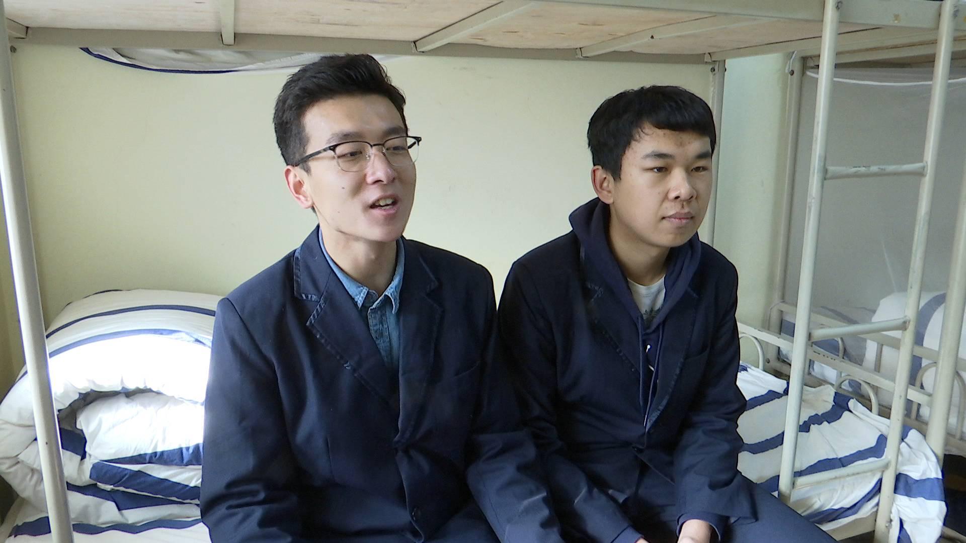 86秒丨济南一高中同宿舍好哥俩同时被剑桥预录取,学霸是如何炼成的?