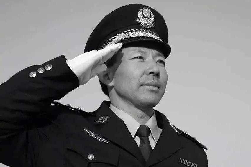 47岁青岛民警别立福抓捕嫌犯时牺牲 生前影像记录刑警日常