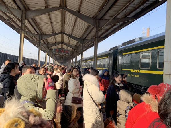 本周末临沂火车站将迎春运客流小高峰 东北、北京方向票额紧张