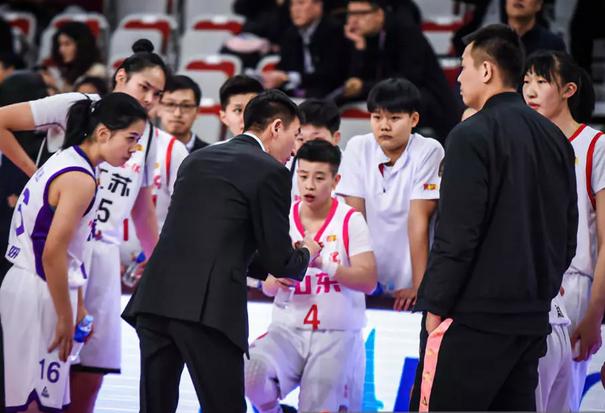 WCBA星锐赛:星锐队一分险胜,山东李缘斩获MVP