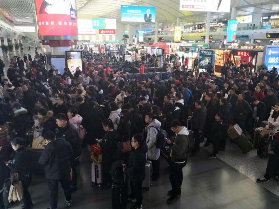 春运高峰预警:小年过后 高铁客流迎来节前出行到达双高峰