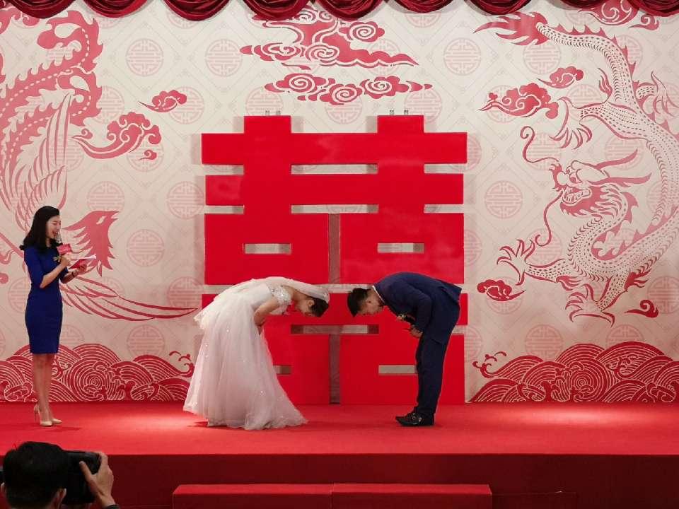 喜事新办树新风 青岛城阳新时代结婚礼堂火了