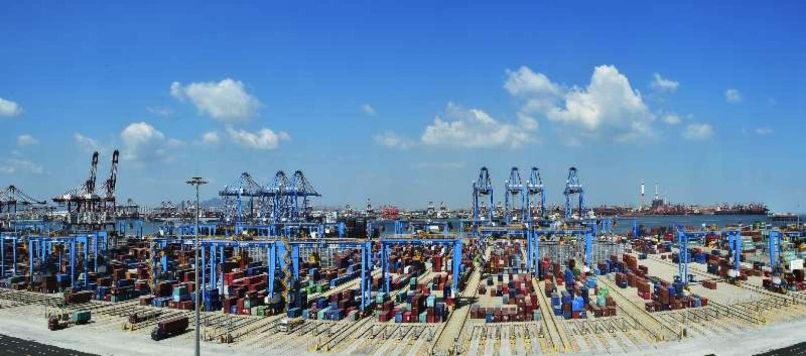 青岛港自动化码头成功完成全球首例5G智慧码头方案验证