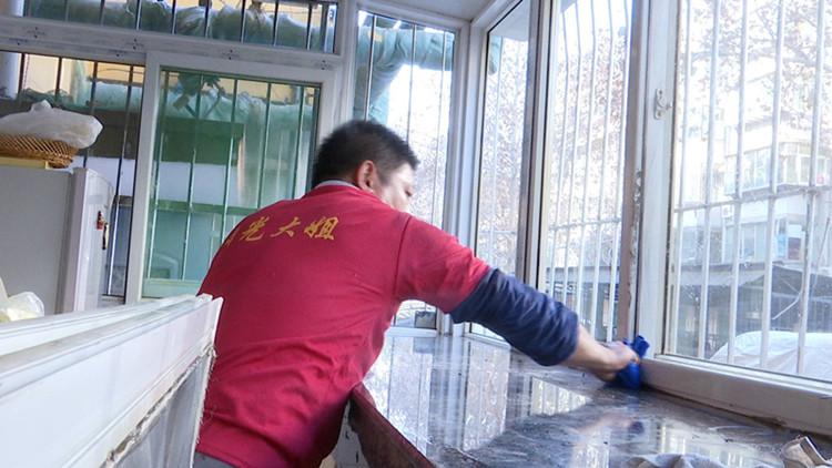 新春走基层|走近济南保洁员李如庆:认真工作让他感觉生活很明亮