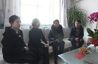 """潍坊市委宣传部领导走访慰问""""齐鲁时代楷模""""王金鉴亲属"""