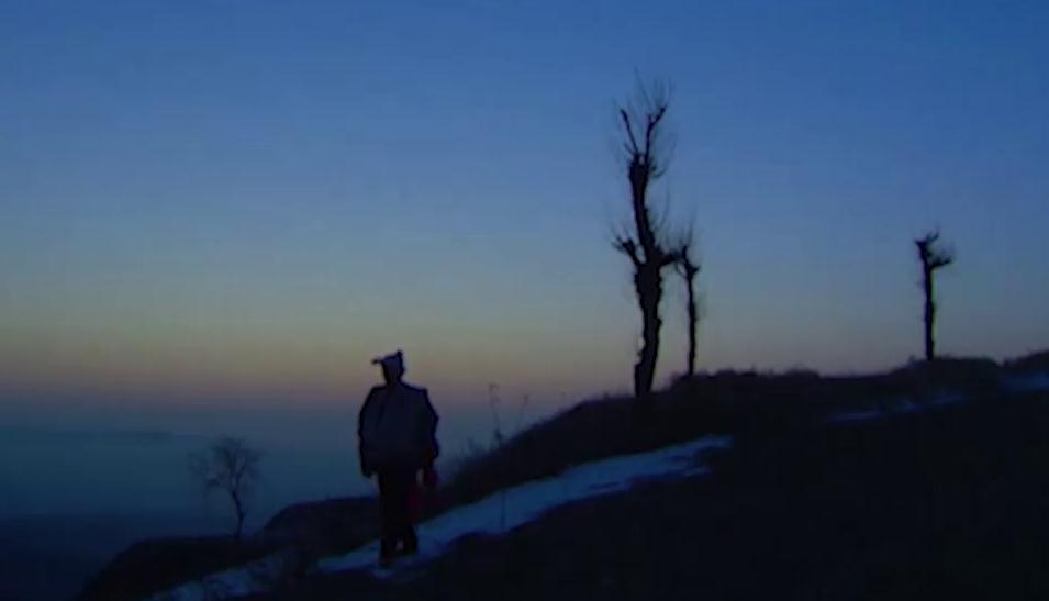 """山东台""""背包哥""""为梦守望一座村庄 雪藏近20年纪录片《营生》面世"""