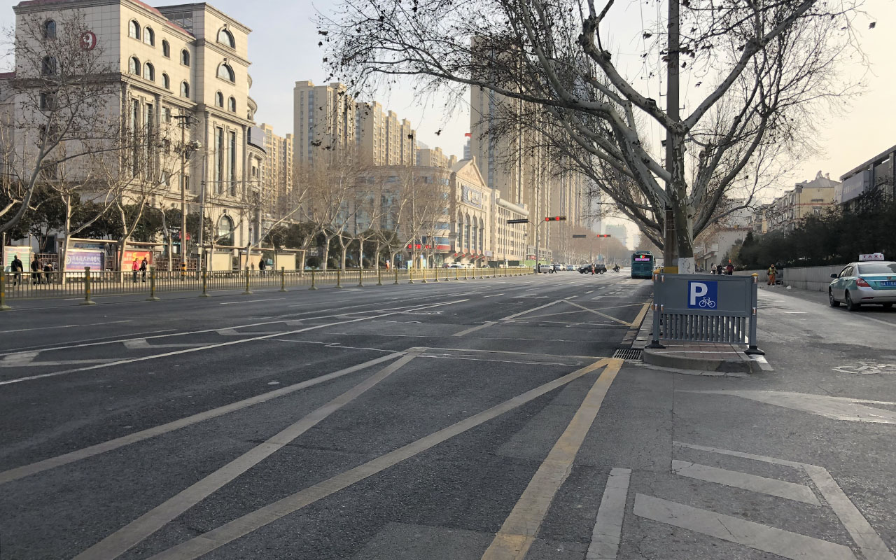 """泉城济南除夕上演""""空城计""""大戏!市民:一点都不堵"""