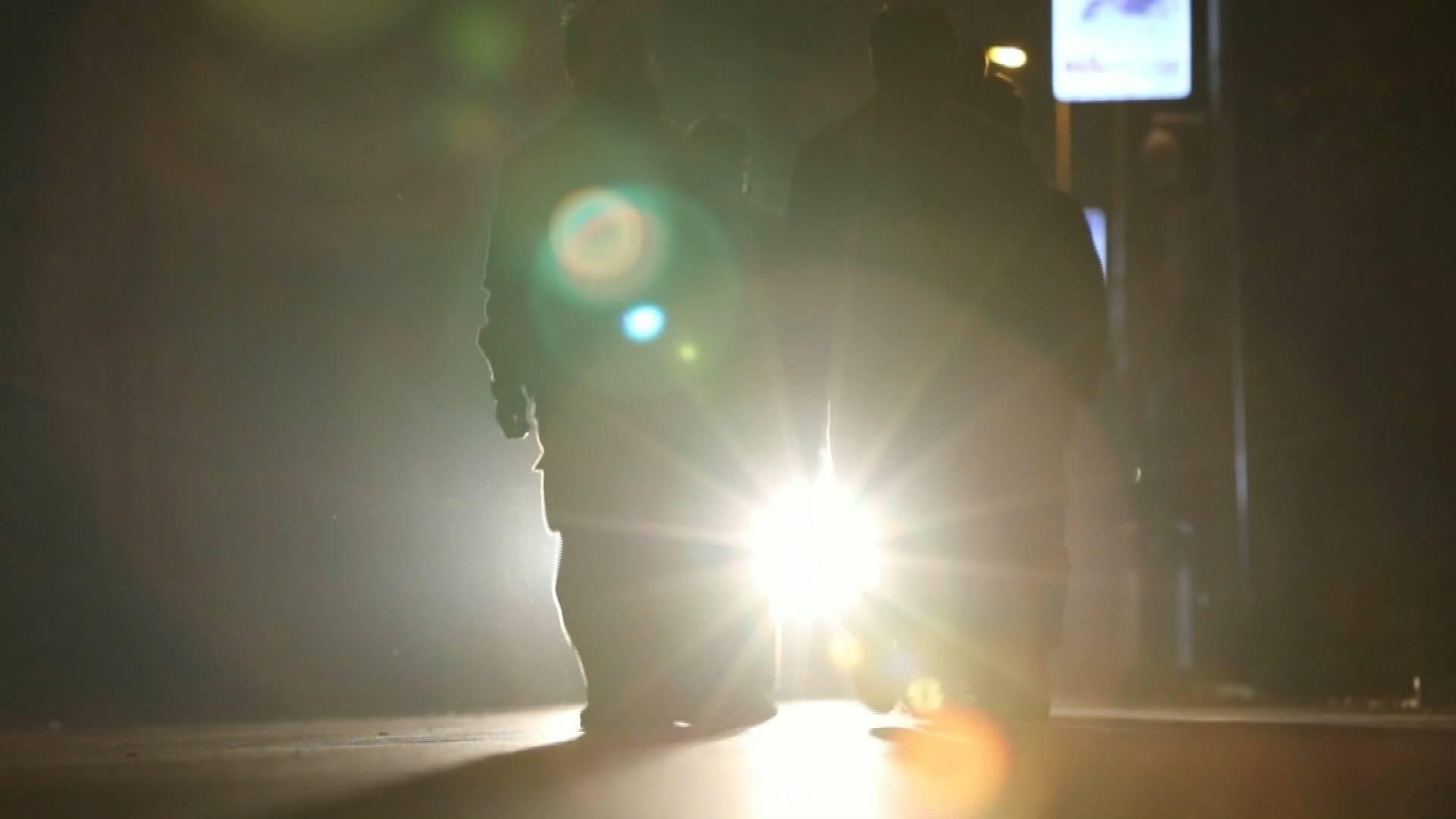 光影春运夜 127秒视频记录灯光落幕后的高铁列车守护者