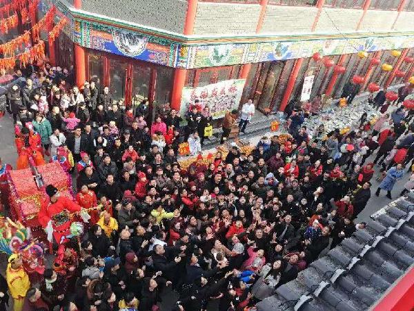 温泉滑雪受热捧 春节期间临沂中心城区旅游市场火爆