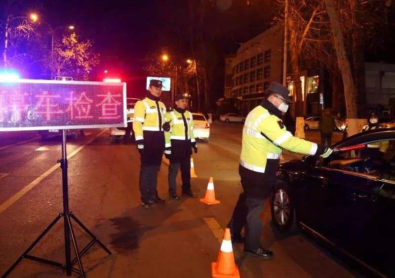 春节期间济南交警查处各类交通违法2.61万起 酒驾84起