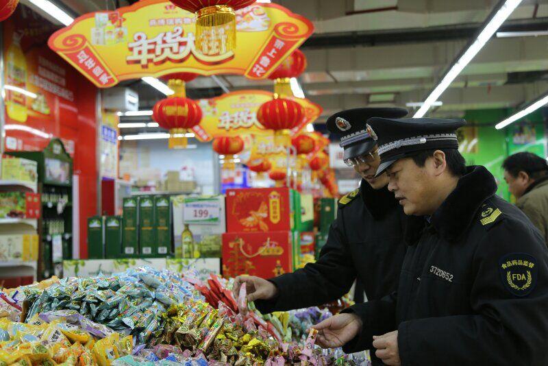 山东食安护佳节:52家食品生产经营者被行政立案处罚