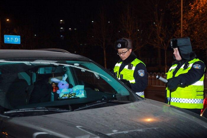 春节期间淄博公安交警查处各类交通违法行为5705起