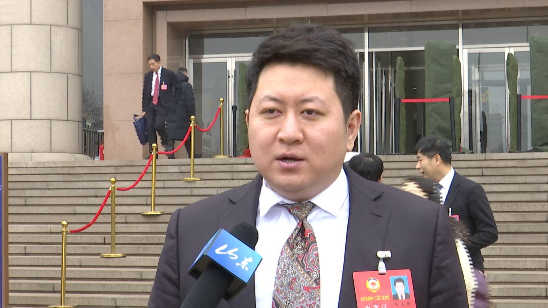 24秒|省政协委员林成彬:改进融资情况 支持民营企业生长
