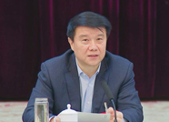 省十三届人大二次会议泰安代表团组团 崔洪刚为代表团团长