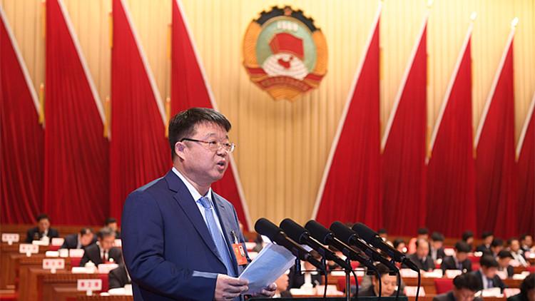 """省政协委员张泉:呼吁调整 """"高考指挥棒"""" 减轻中小学生课业负担"""