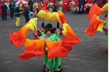河东区第二十届民间秧歌汇演盛装上演 1500余人参赛