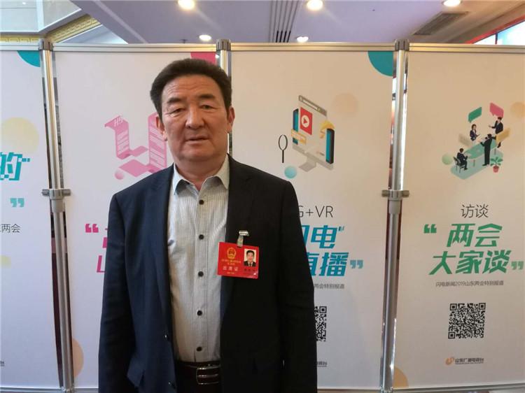 52秒|省人大代表杨艳明:建议将书法教育纳入中小学必修课
