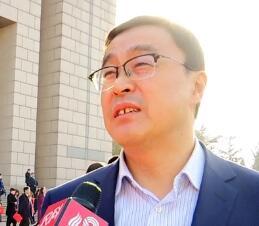 省政协委员秦华:坚持新旧动能转换 大力实施乡村振兴