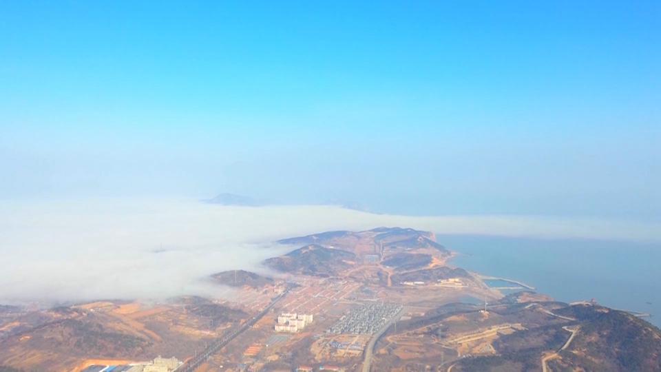 """49秒丨""""海上仙山""""邂逅袅袅平流雾 烟台长岛美到不可方物"""