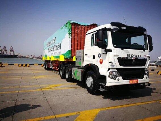 首家!中国重汽无人驾驶电动集卡正式批量投入天津港运营