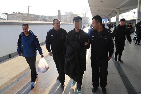 淄博:小伙三次醉驾拒不到案成逃犯 终因警方通缉自首