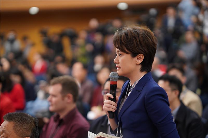 两会现场|闪电新闻记者李莎提问科技部部长王志刚