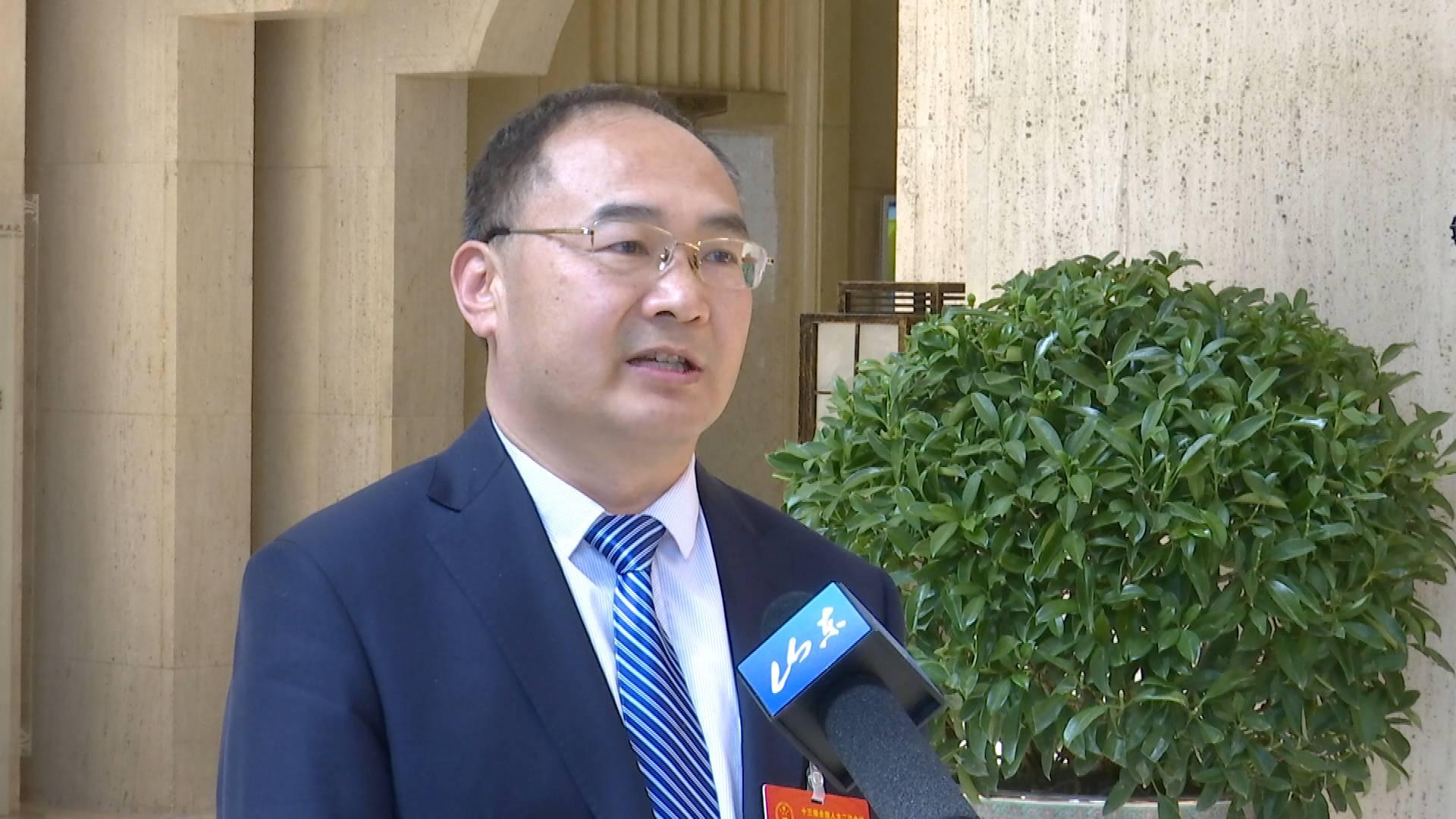 全国人大代表王学斌谈为基层减负:形式主义对党和政府在人民中的形象造成影响