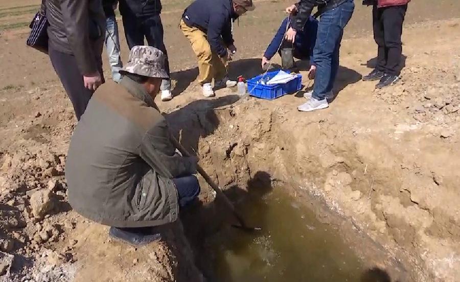《问政山东》曝光后,平原县多部门现场勘验耕地埋固废问题