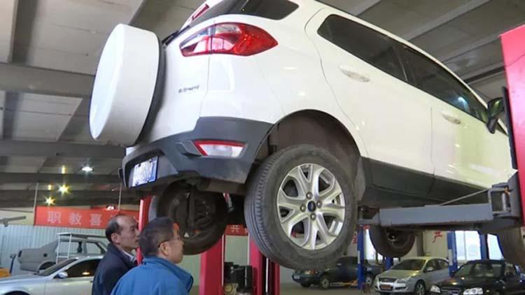 """济南:专家为问题车把脉 福特SUV后轮""""外八""""可能是系统性问题"""