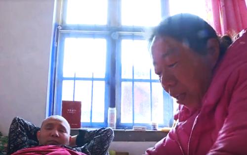 潍坊昌乐坚强妻子照顾瘫痪丈夫整整20年 帮他重拾生活信心