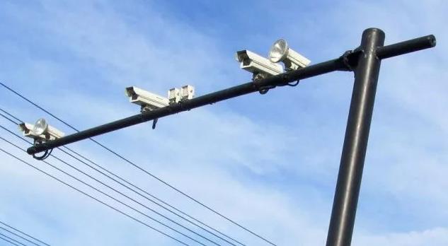 驾驶员细致!莘县交警宣布179处电子监控抓拍漫衍地位