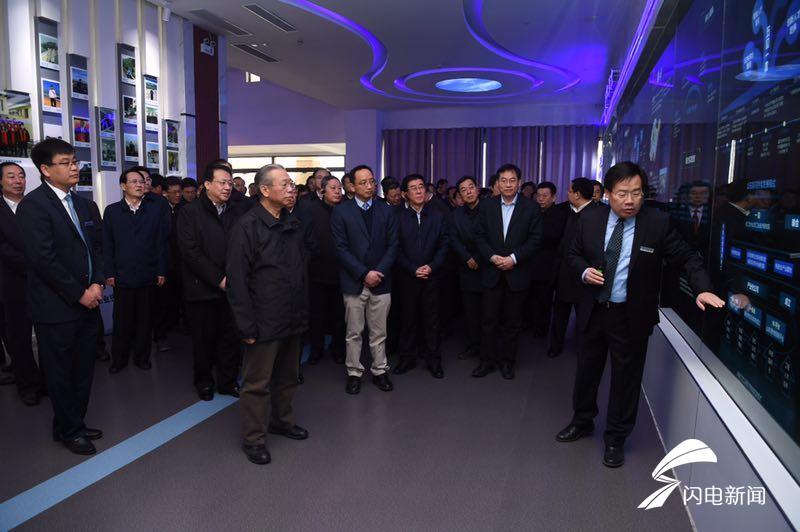 智光光纤、大数据中心、互联网小镇……与省委书记一起观摩枣庄这些高精尖项目