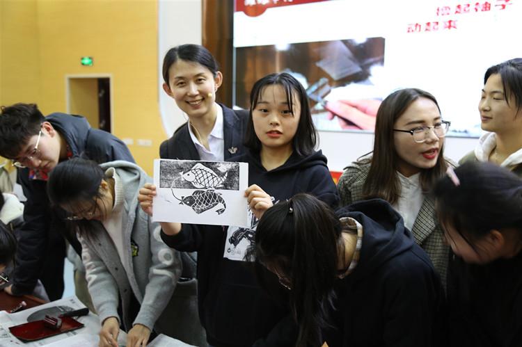 小书斋大讲堂 潍坊博物馆举行《文物知识讲座》进校园活动