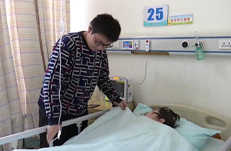 都来帮! 济宁14岁少年街头卖多肉植物筹集母亲救命钱