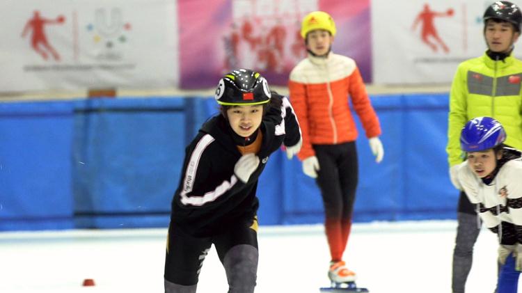 为圆奥运冠军梦 山东姑娘远赴千里之外的冰雪之城