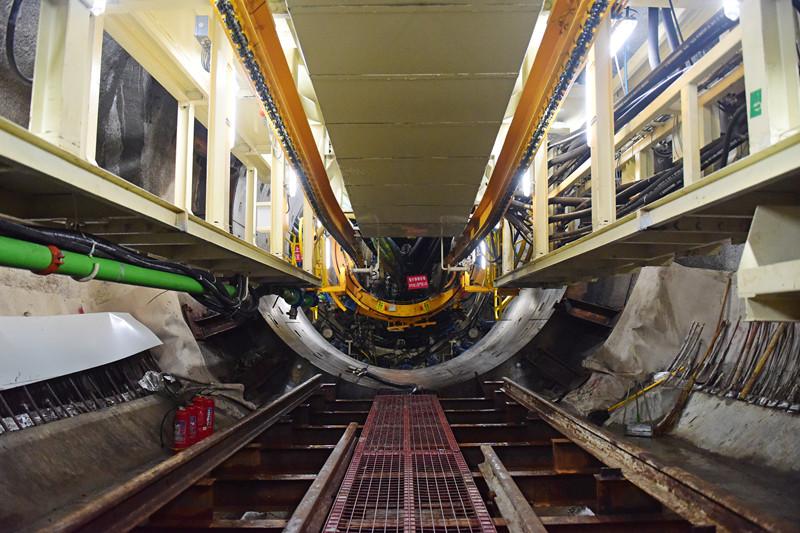 新进展!青岛地铁4号线首台TBM始发  19座车站已开挖