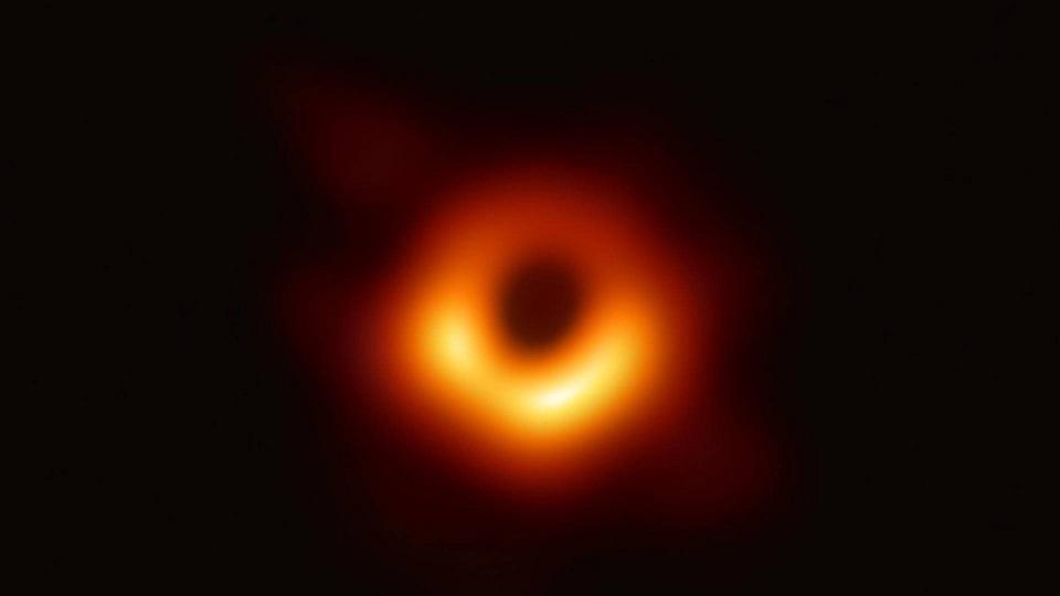 黑洞究竟是个啥?看完这个视频就明白了