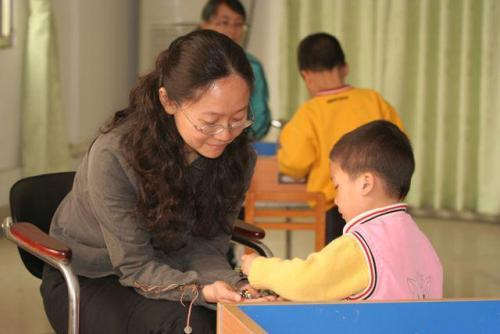 张店提高孤儿和困境儿童生活费 社会散居孤儿每月920元