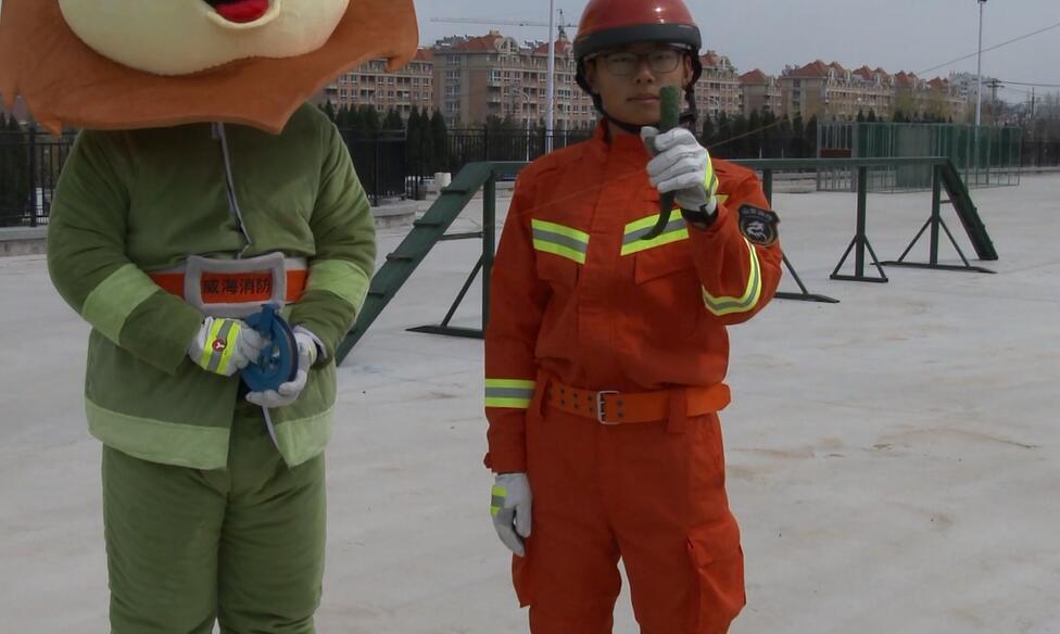 风筝线稍不留神就成了伤人利器?消防人员现场实验结果惊人