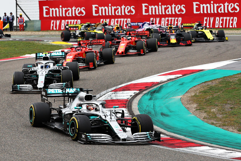 30秒|F1第1000场分站赛上海收官 汉密尔顿夺冠创历史