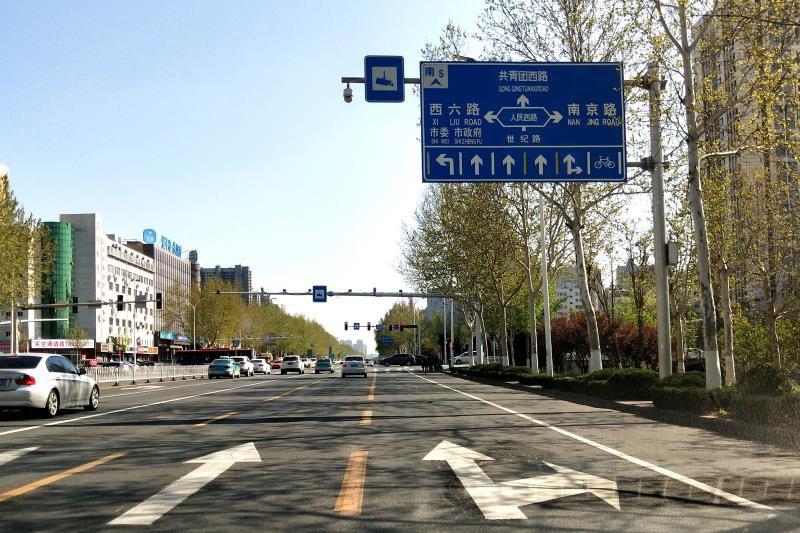 畅通新体验!淄博世纪路7个路口右转车道已完成一致性改造