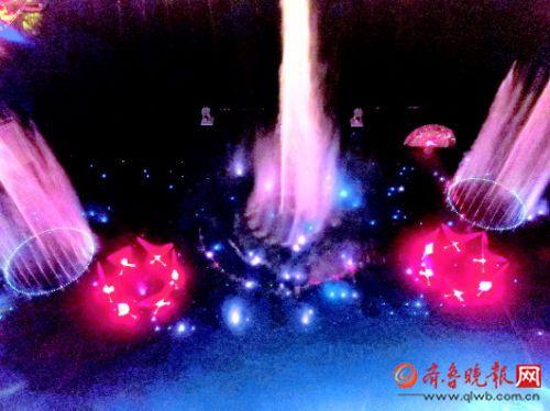 明湖秀商演开启 济南公交11路开区间车、增班次